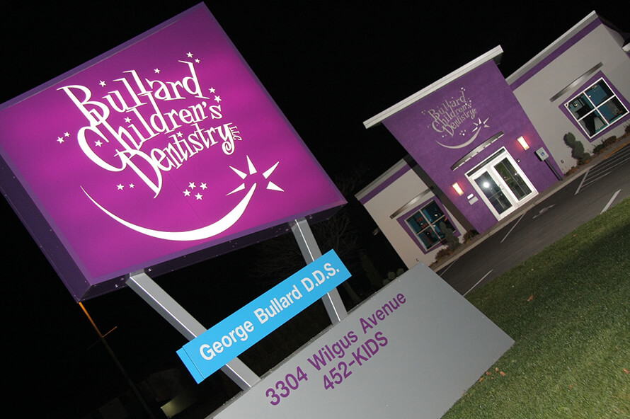 Bullard's Children's Dentistry sign at night